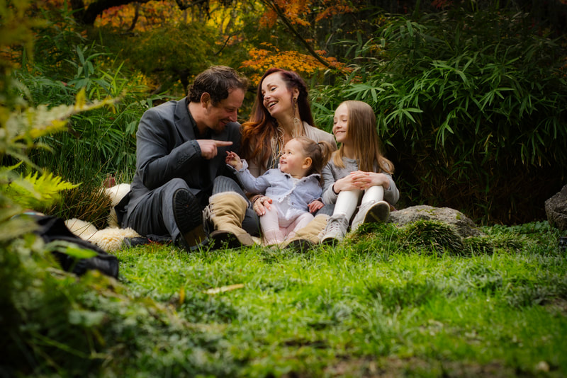 Family Portrait photography in Lithia park Ashland Oregon. Photography by Immortalized Image